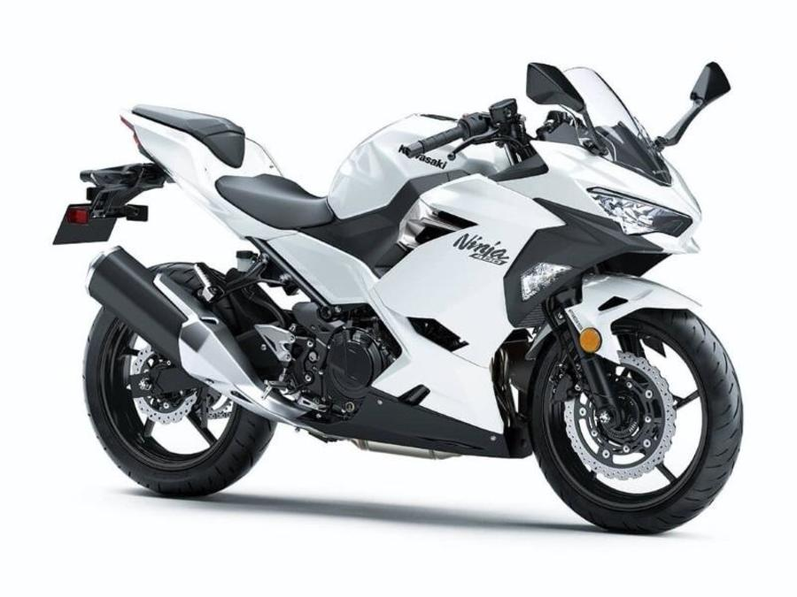 2020 Ninja 400 Pearl Blizzard White  8414762 - Click for larger photo